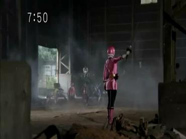 Samurai Sentai Shinkenger Episode 34  Part 2.avi_000413781