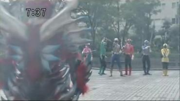 Samurai Sentai Shinkenger Act 36 1 RAW.avi_000384700