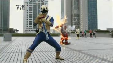 Samurai Sentai Shinkenger Act 36 3 RAW.avi_000169333