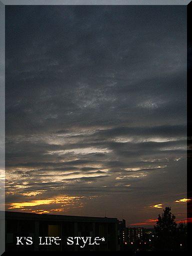 夕方の曇り空