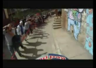 チリで行われた街中自転車レースがもはやゲームの世界な件