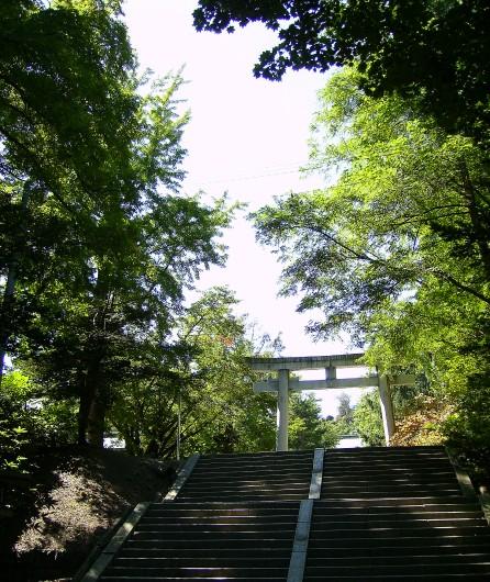 小樽住吉神社拝殿前階段