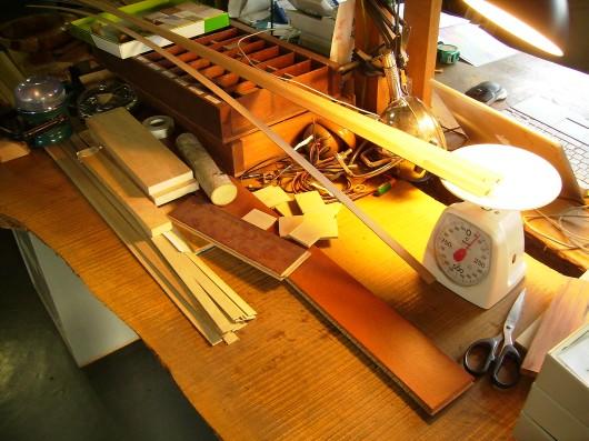 木の素材屋さん工場内デスク
