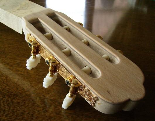 ヘッド完成1 菊ギター第15号