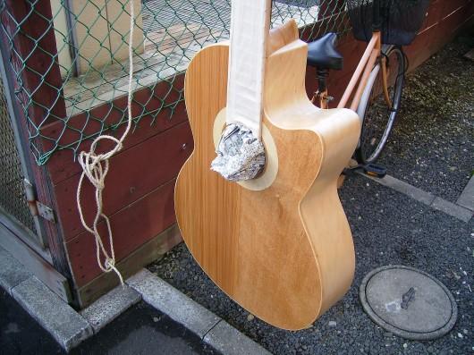 塗装準備新聞紙 菊ギター第15号