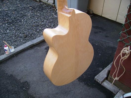 塗装準備ウラ 菊ギター第15号