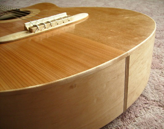 完成表底部飾り 菊ギター第15号