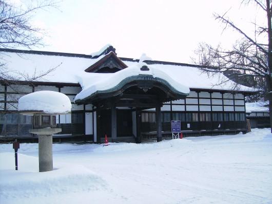 雪の社務所
