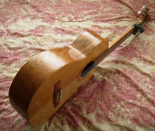 菊ギター第10号全体斜右側板