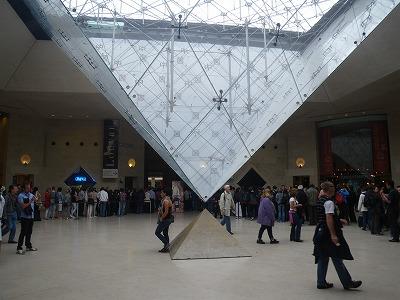 IMGP3874ルーブル美術館ピラミッド中央入口