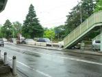 ここも直接歩道橋の階段と繋がっている