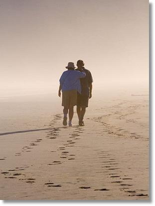 浜辺の2人