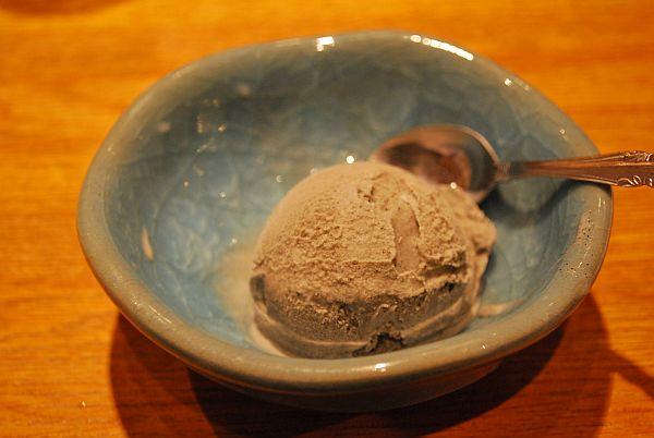 ゴマのアイスクリーム
