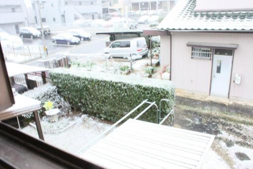 初雪2階からの様子(シャッター速度低速)