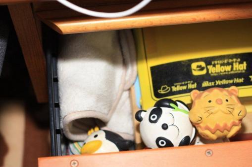 おもちゃの隠し場所で寝んね