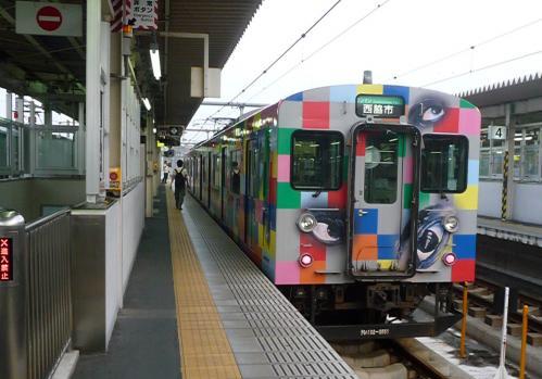 西脇市へ2010.07.31- 加古川線~横尾さんのラッピング電車01