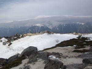 岩からの北岳