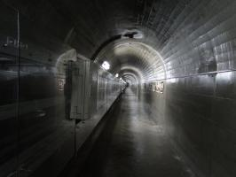 三国川ダム監査廊1