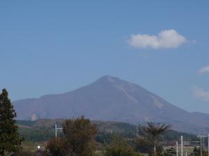磐梯山と青空