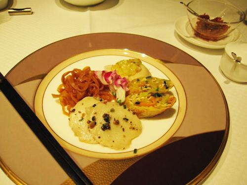 星ヶ丘 4種冷菜の盛り合わせ