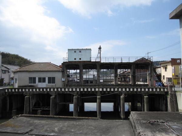 みなと水門②-4_20100402