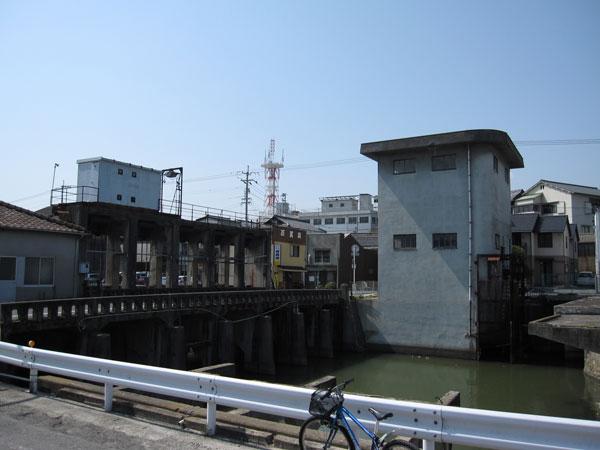 みなと水門②-7_20100404