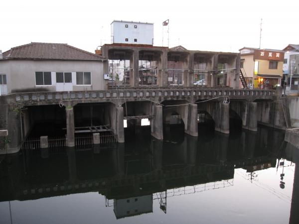 みなと水門2009/09/07 18:30