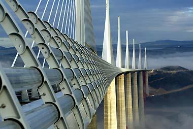 ミヨー高架橋