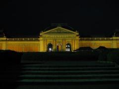 京都国立博物館特別展示館夜20060602