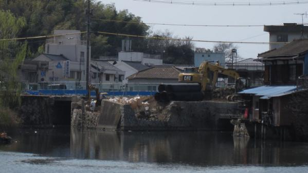 港橋北側工事20100322①