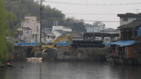 港橋北側工事20100323①