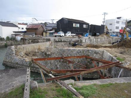 港橋北側工事20100329③-2