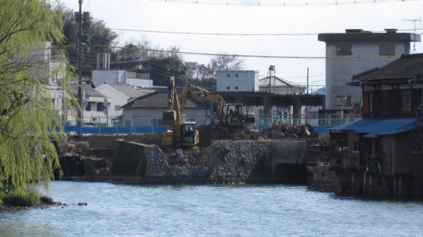 港橋北側工事20100329①