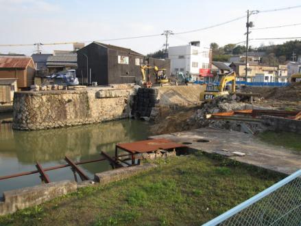 港橋北側工事20100403?-1