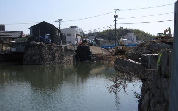港橋北側工事20100404?-2-1