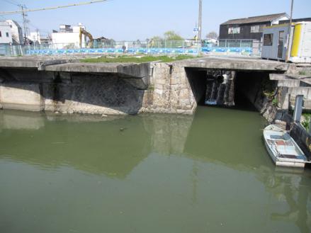 港橋北側工事20100404?