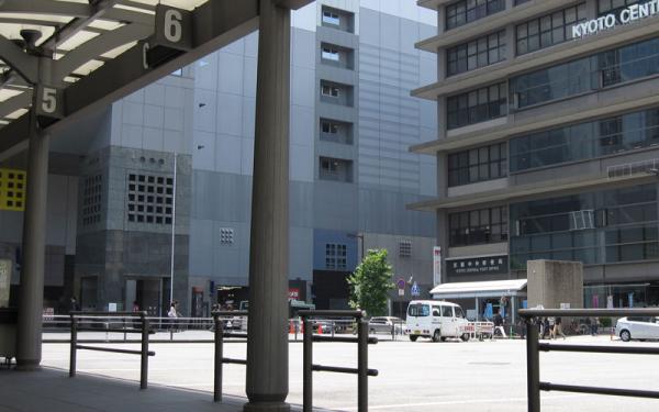 けいおん!!#4「修学旅行!」3京都駅3-7-1