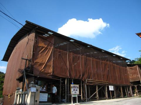 清水寺20100622-4(馬駐覆屋)