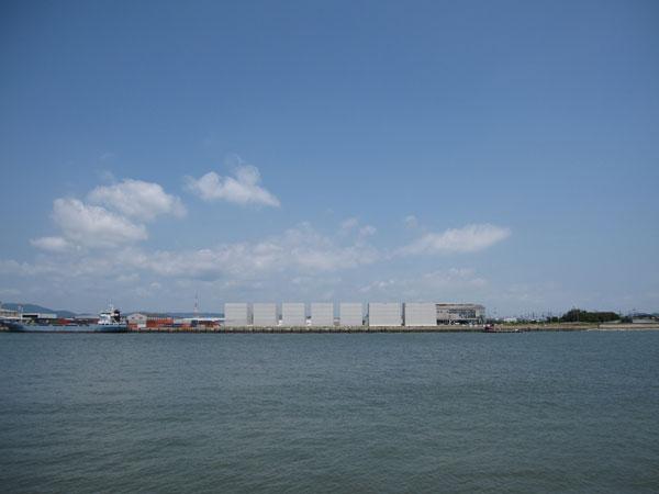 水島港E地区(玉島ハーバーアイランドから)20100816-1