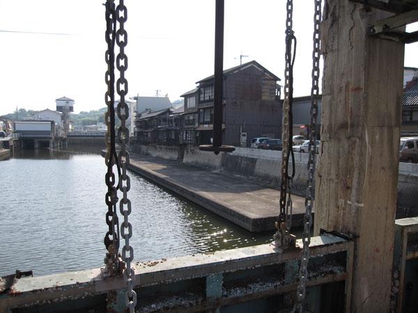 みなと水門③20090509港橋上から海方向