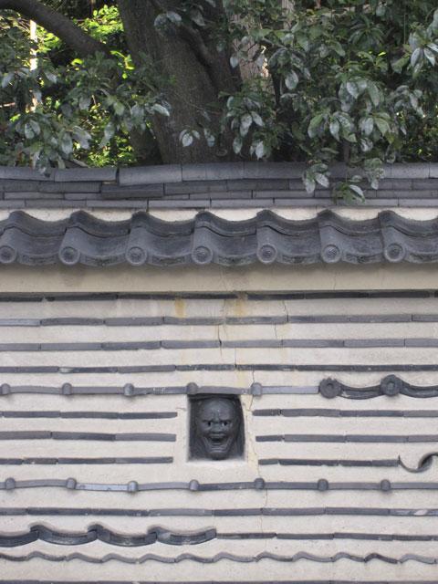 今宮神社門前の塀