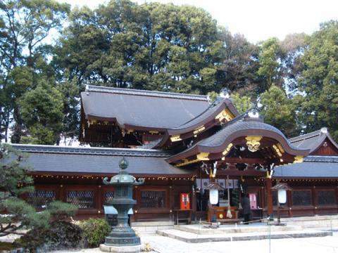 今宮神社拝殿本殿向かって左より