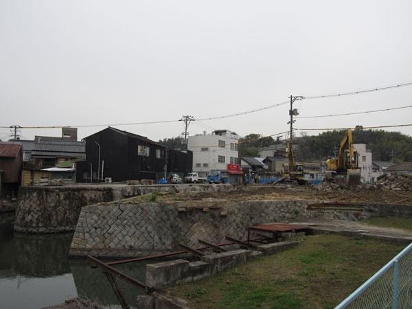 港橋北側工事20100318①