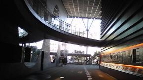りゅーとぴあ 2階ロビー♪ 公演がある時は、左側がクロークになります。