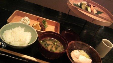 HIGASHIYAのお昼