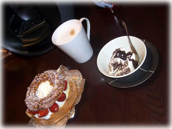 ケーキ&カプチーノ