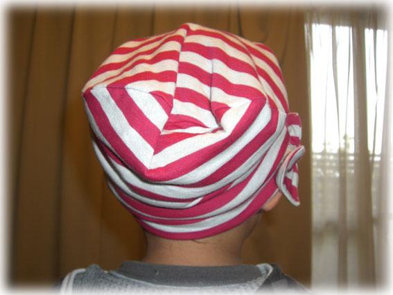 ニット帽子2後ろ