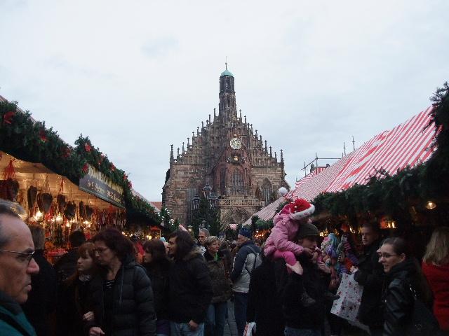ニュルンベルク中央広場クリスマスマーケット