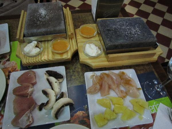 MontesRestaurant02
