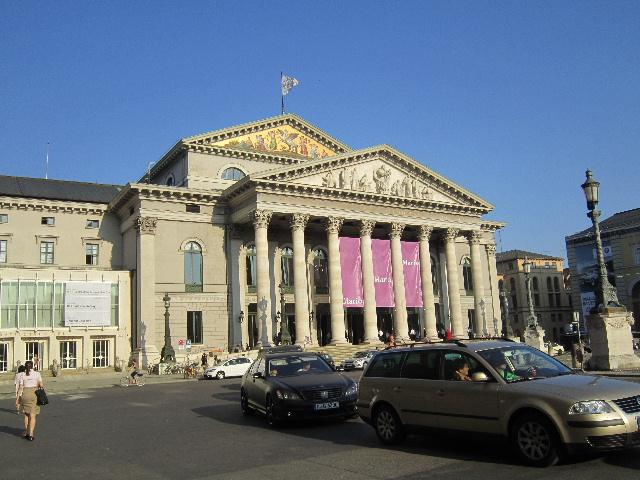 Bayerische Staatsoper01